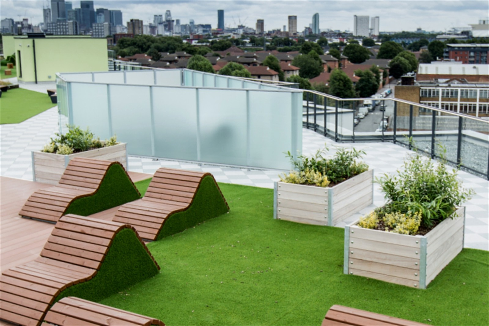 20pmw54 - Mews roof garden planters