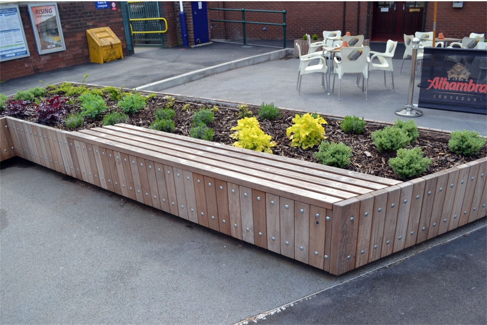 21psw25 - Swithland planter walling