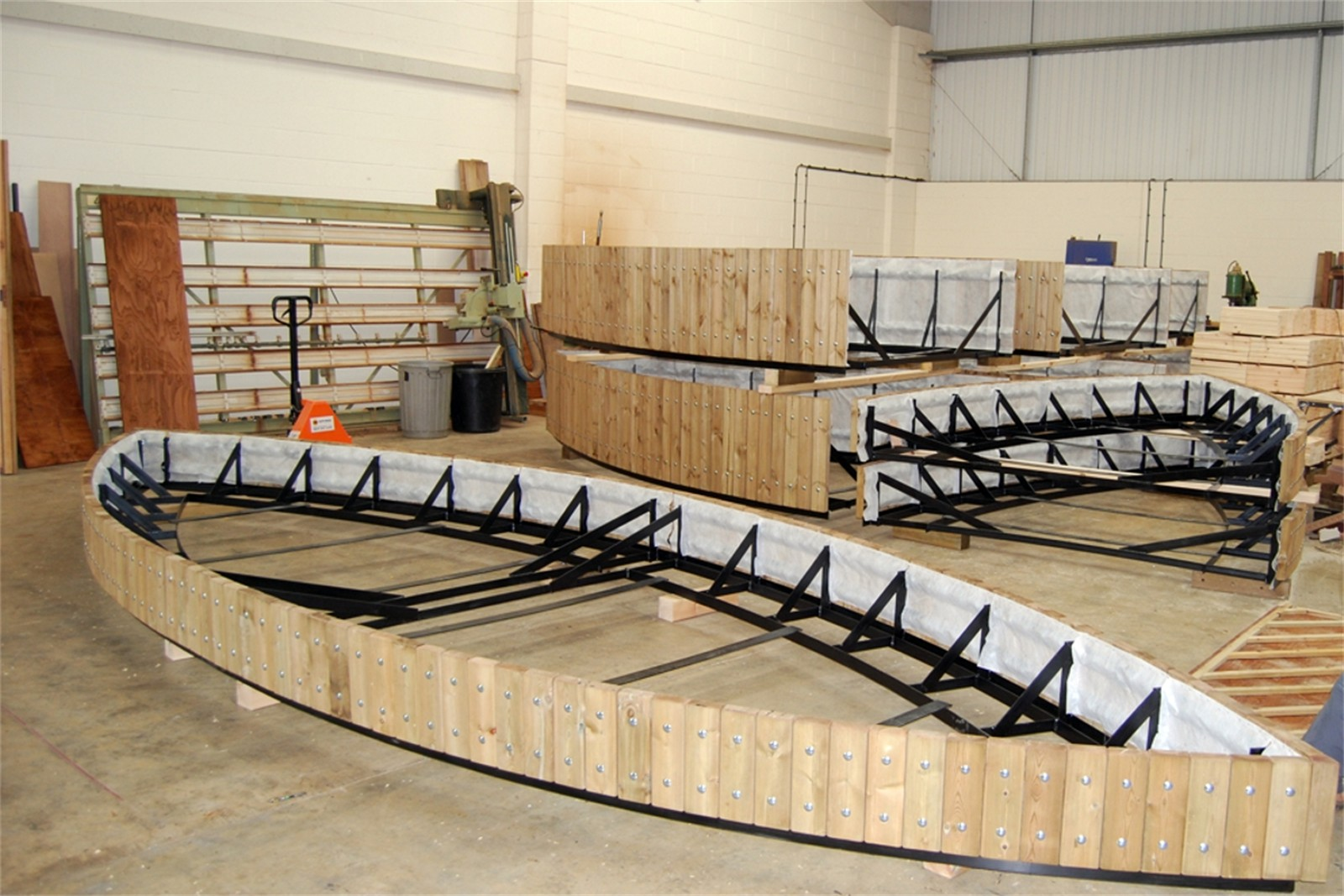 38psw11 - Swithland large roof garden planters in manufacture