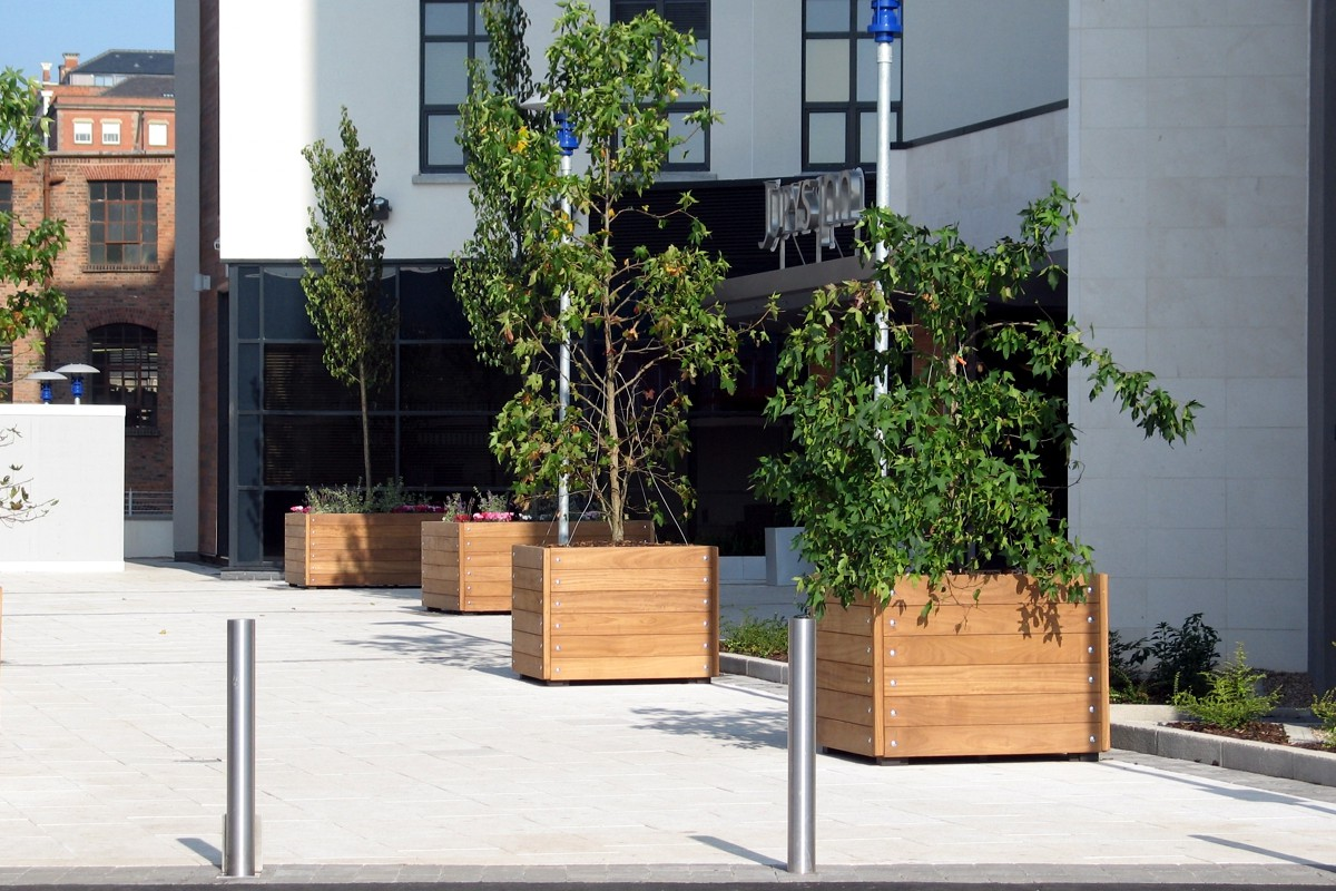 301 - 23 planter designs available in a range of materials and finishes