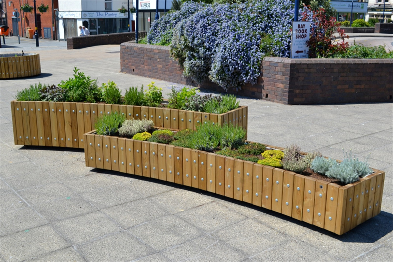 Curved Planters Street Design