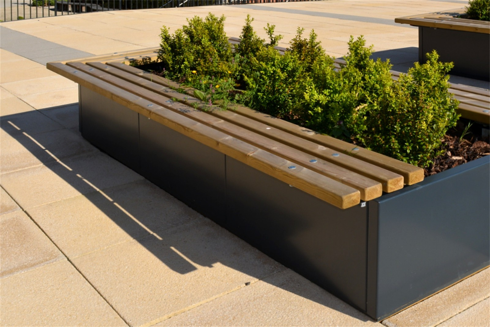 60sbe12 - Bexley top fixed planter benches