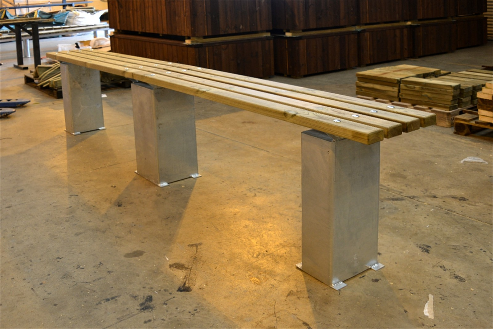 60sbe14 - Bexley timber and galvanised steel bench in manufacture