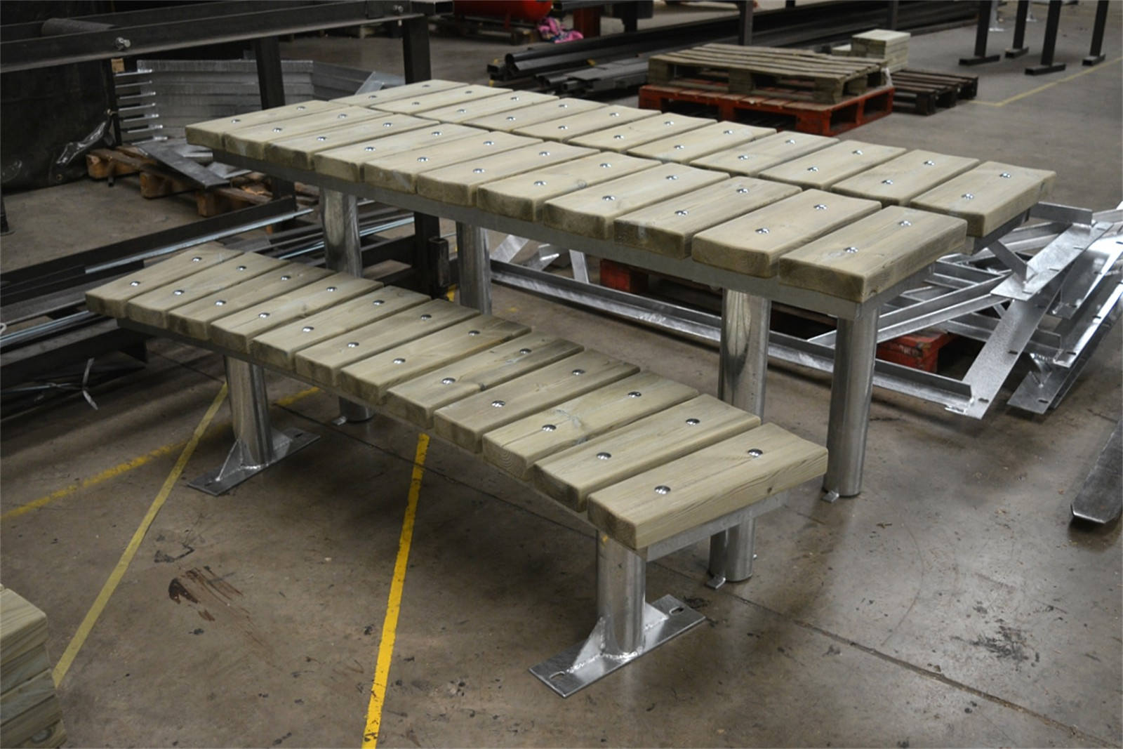 62ssp17 - Spalding curved and straight benches