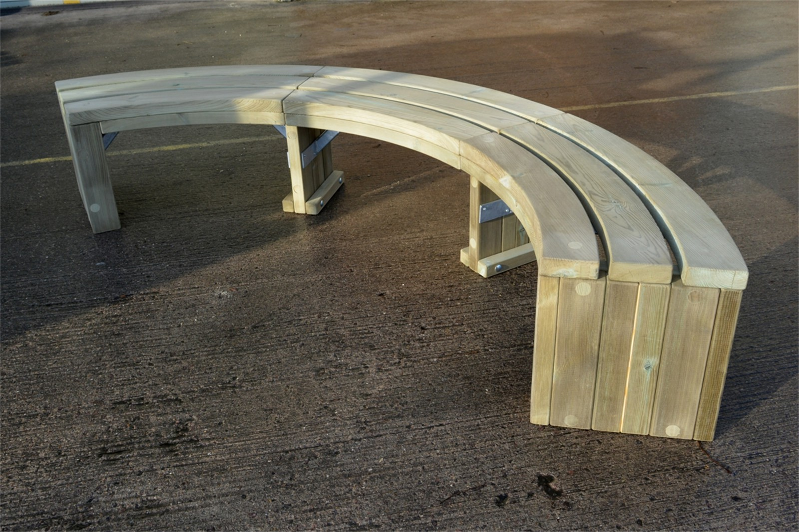 69s06 - Rochford 416 timber curved bench