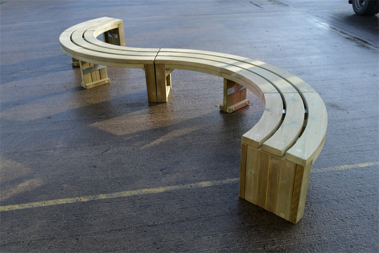 69s08 - Rochford 416 timber S curved bench