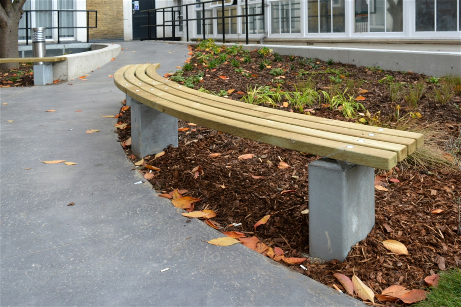 70sbe15 - Bexley long curved bench