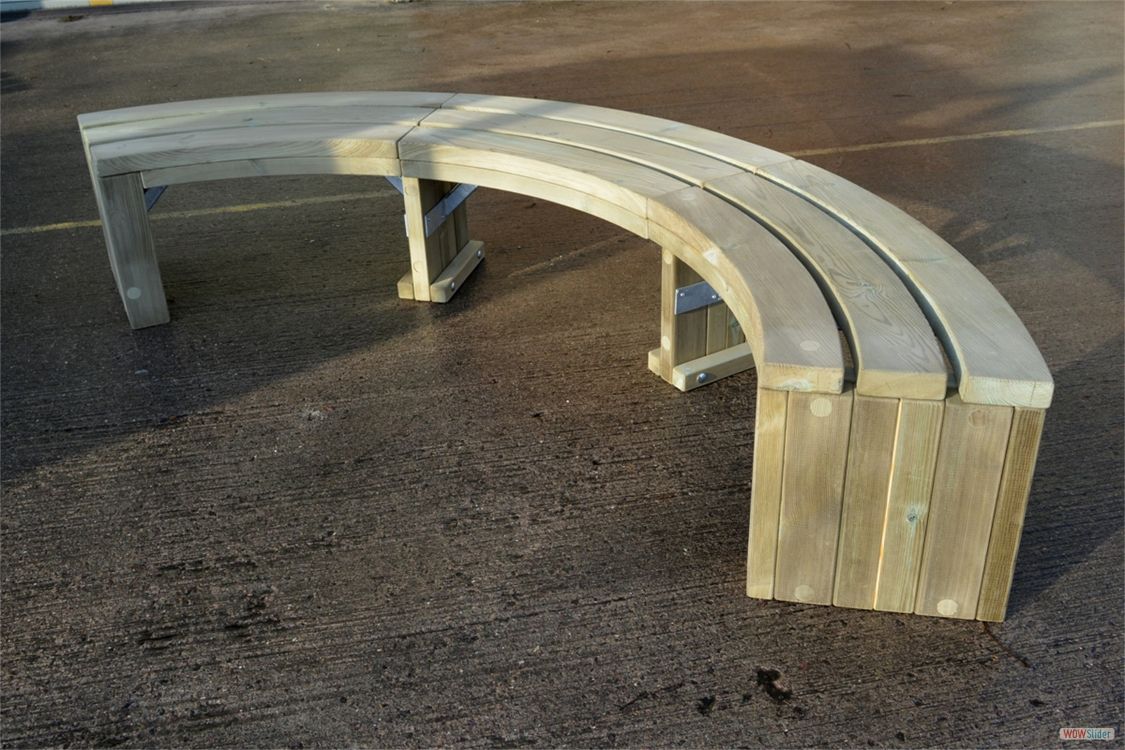 75s08 - Rochford 416 curved bench