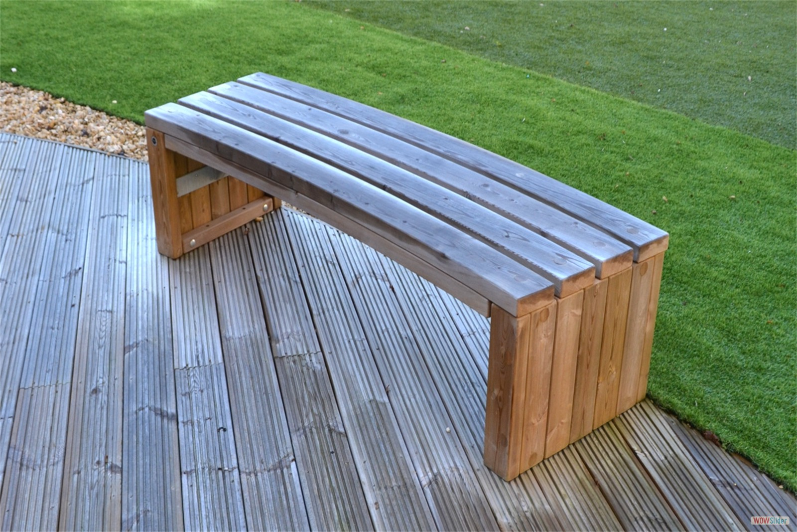 75s10 - Rochford 565 curved bench