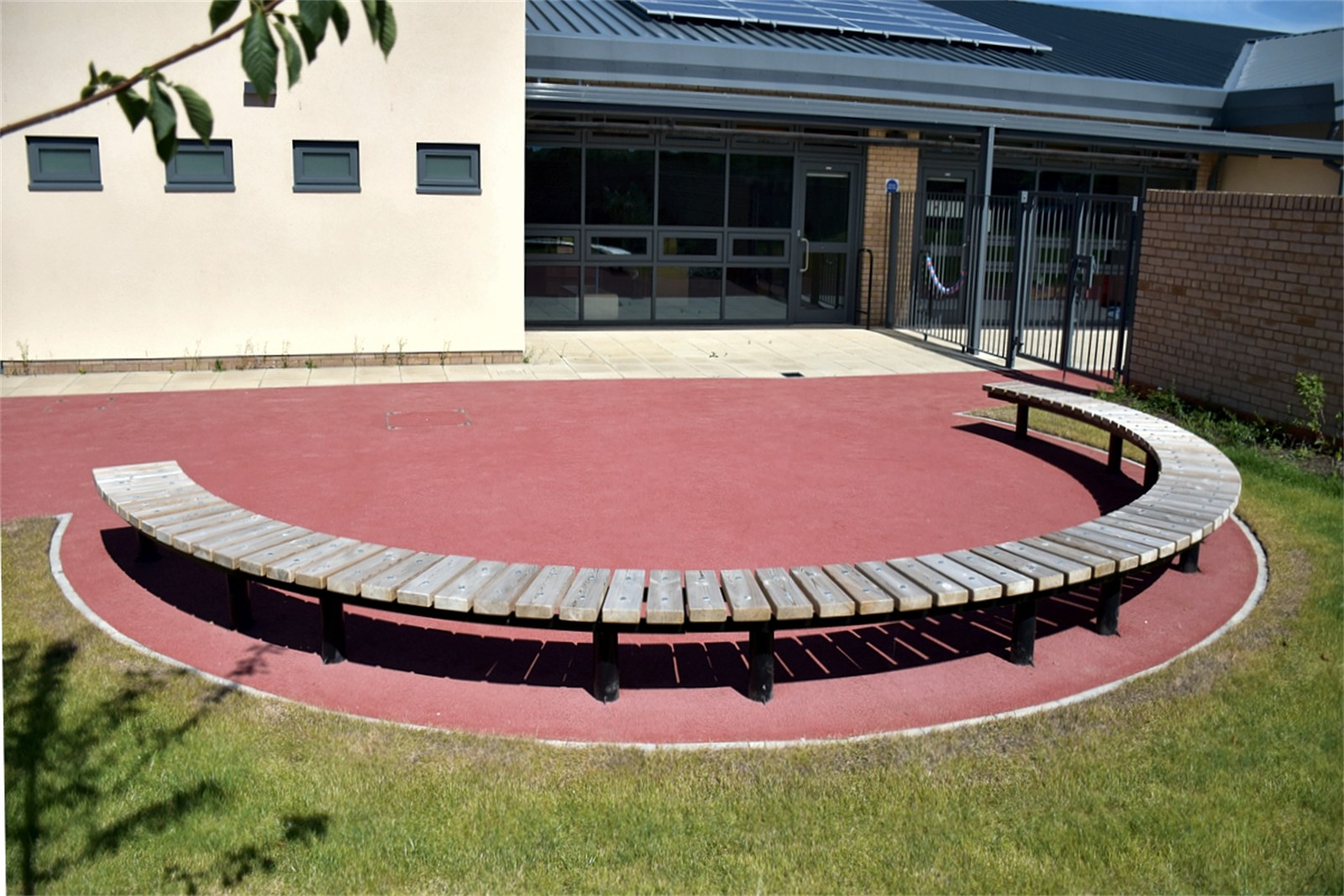 75ssp19 - Spalding long circular bench