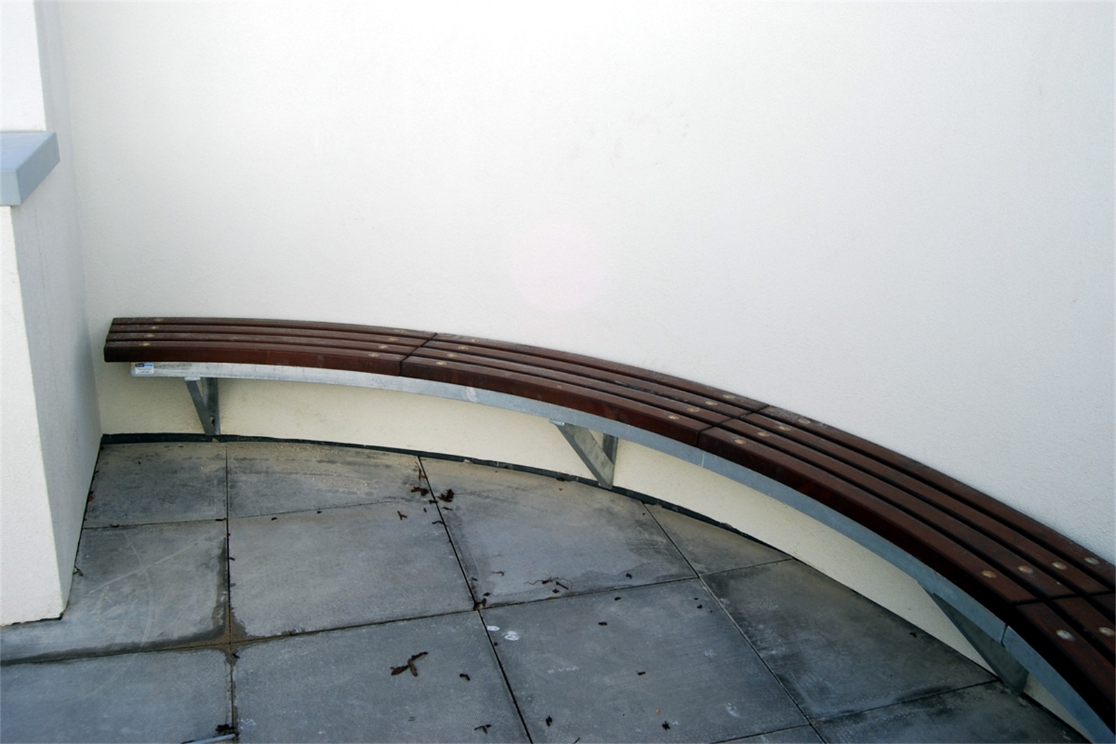 76sbe13 - Bexley long wall mounted curved bench