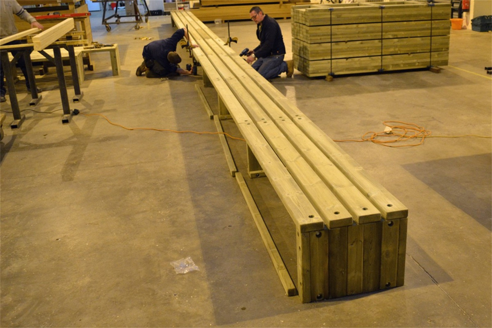 76sro17 - Rochford 565 straight long bench in manufacture