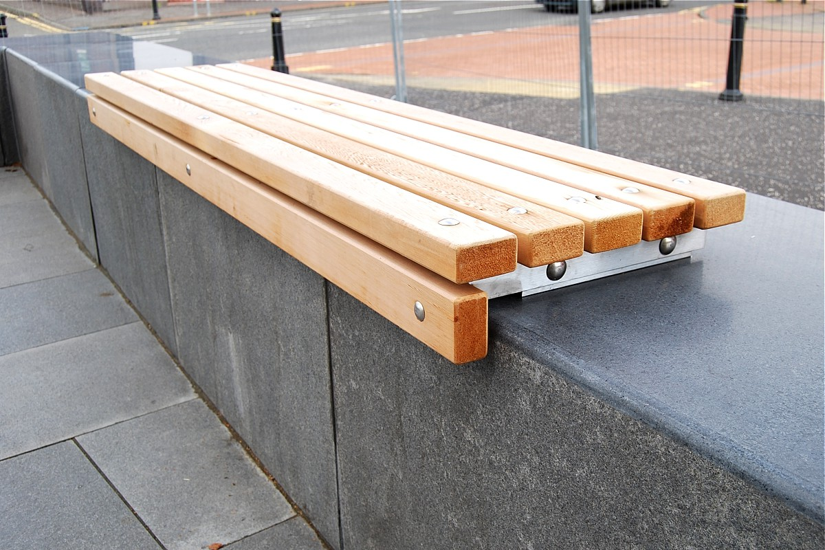 77sba03 - bathgate wall mounted bench