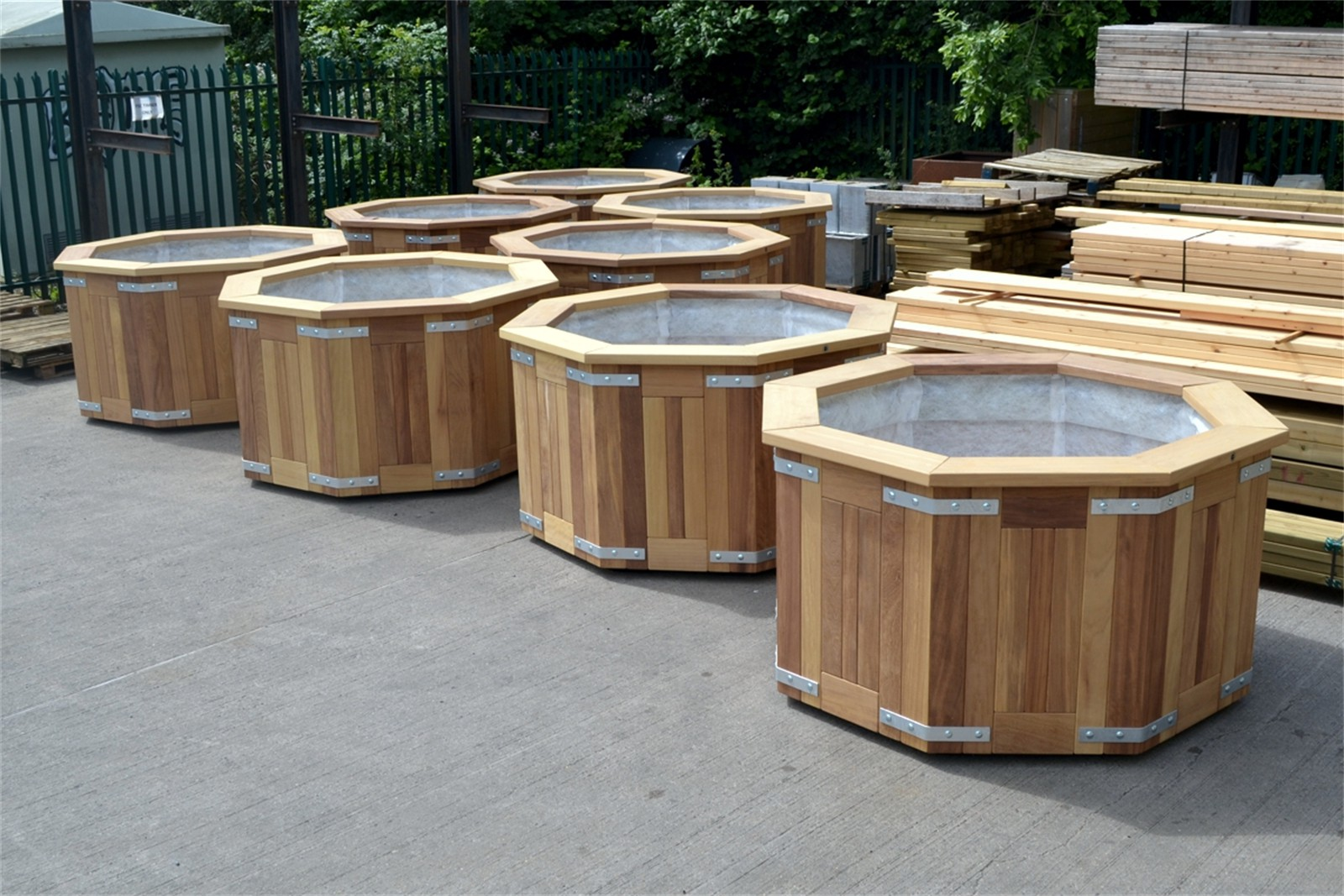 c126j07 - Completed hardwood planters