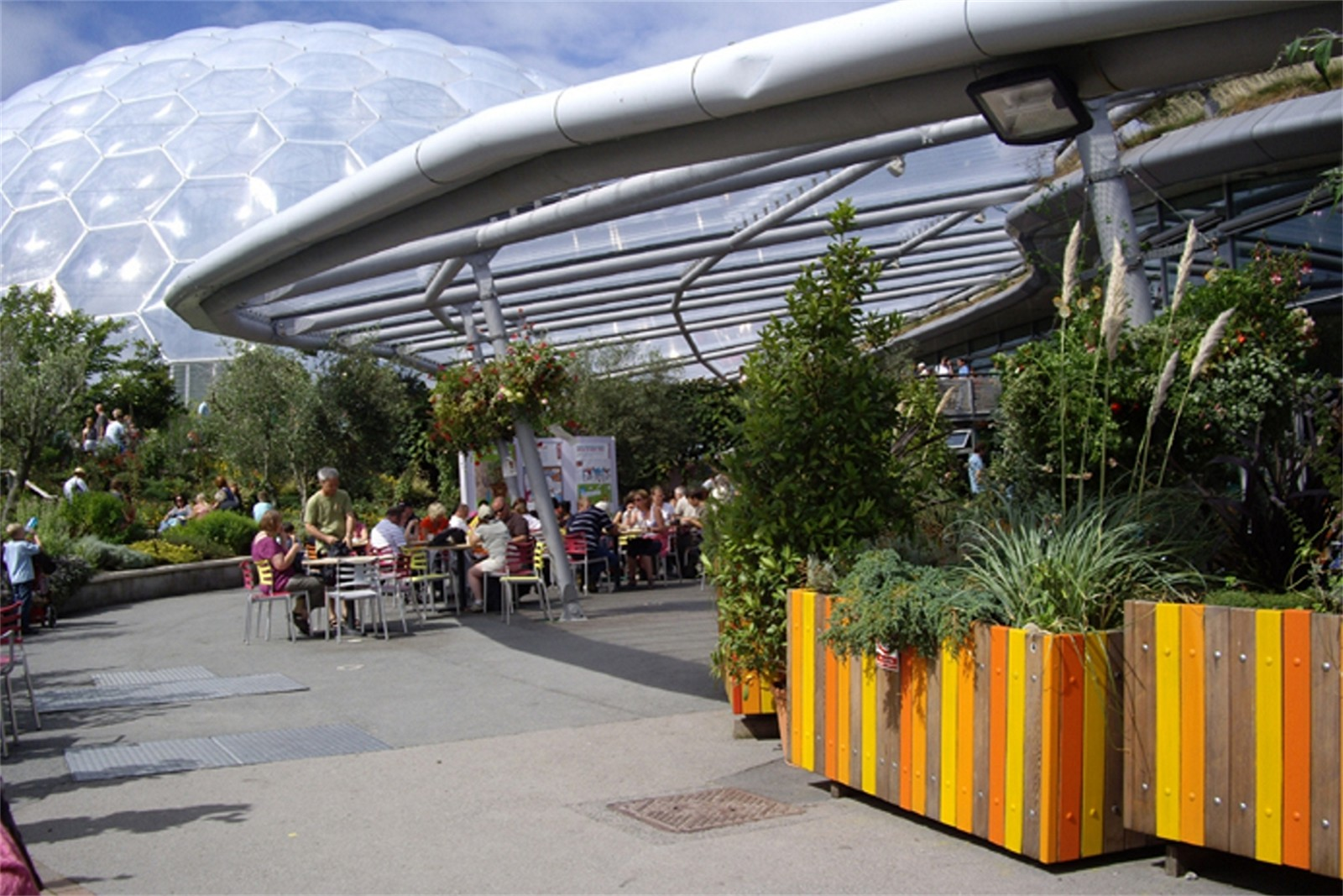 c12605 - Swithland planters supplied to the Eden Project