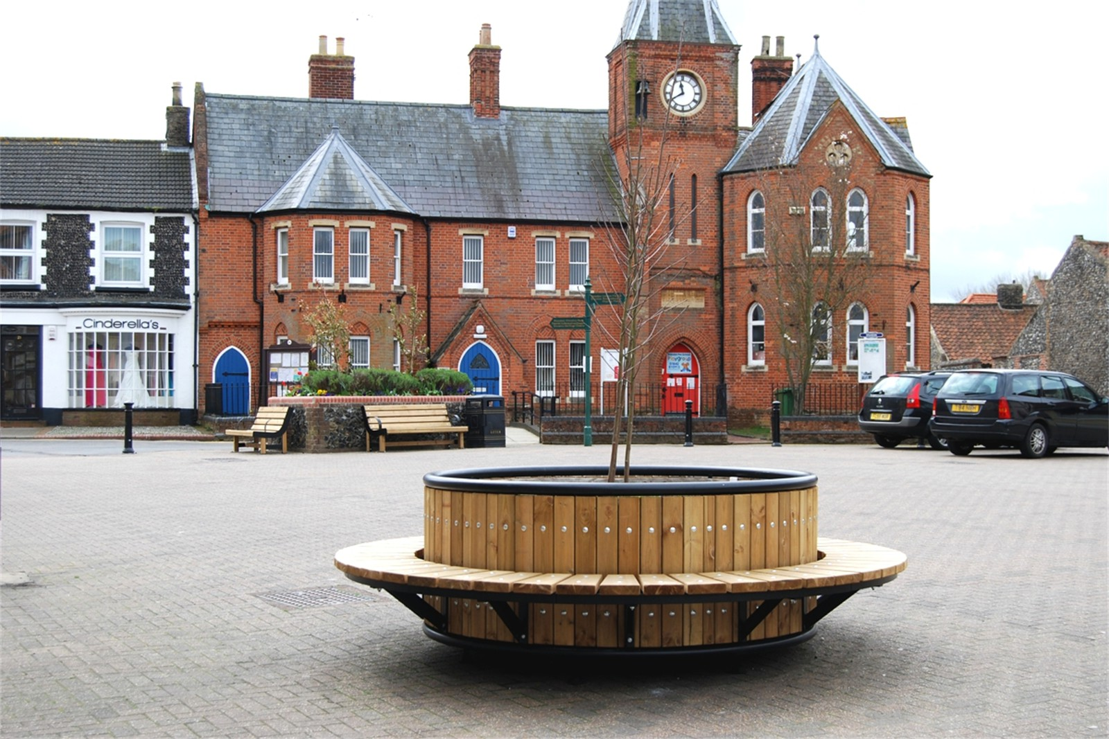 c12807 - planters, seating and cycle stands supplied to Brandon Town Centre