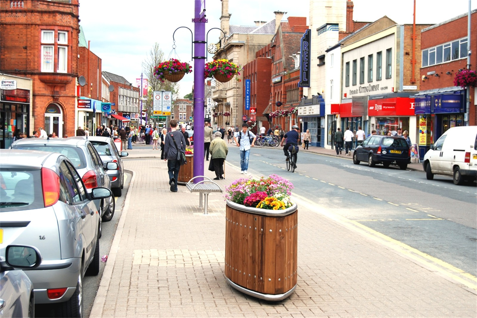 c12813 - street furniture products supplied to Loughborough Town Centre
