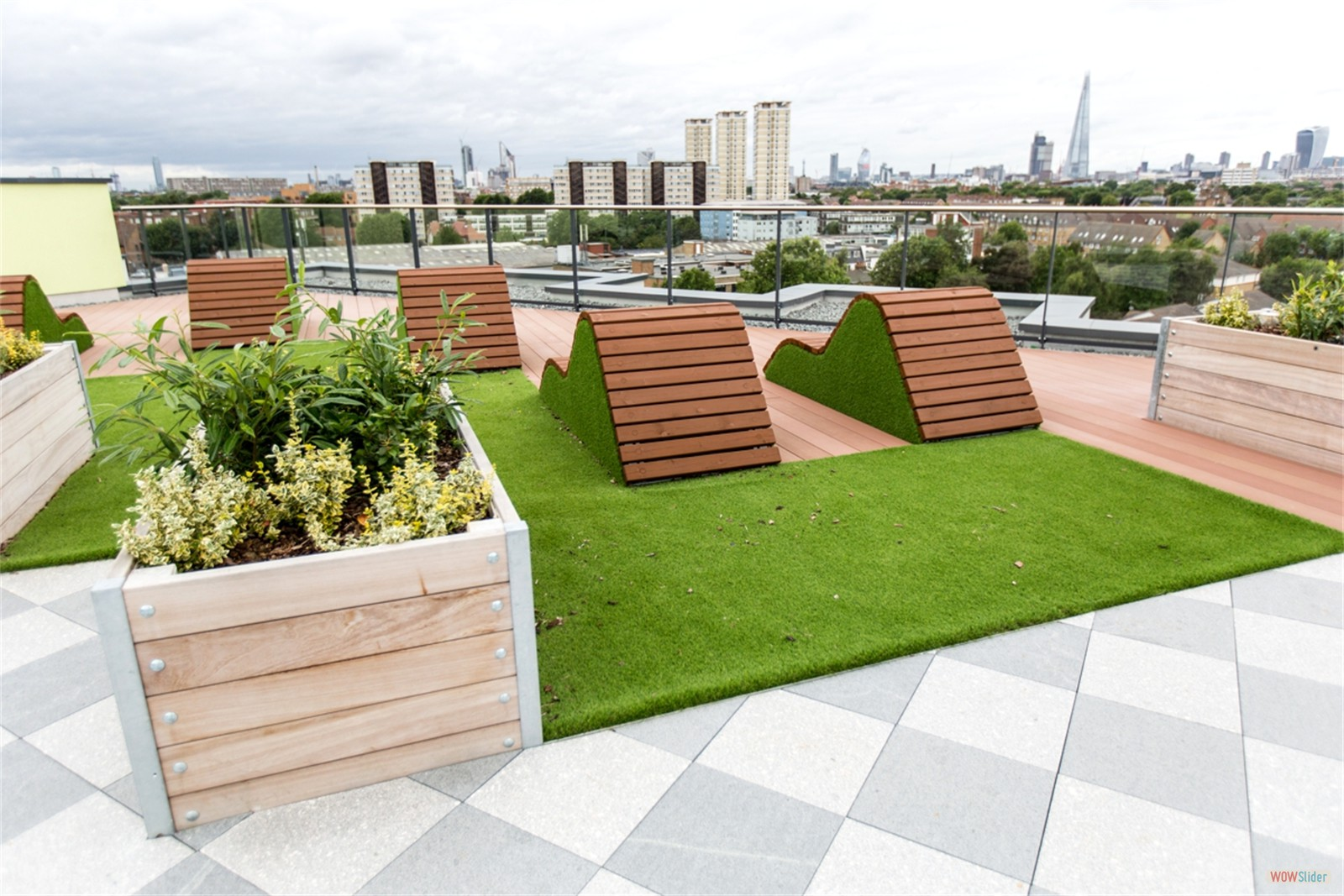 c12414 - Rotherhithe New Road, residential roof garden