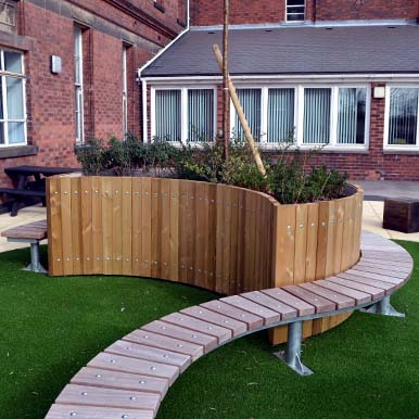 Versatile Spalding Curved BenchSeating from Street Design